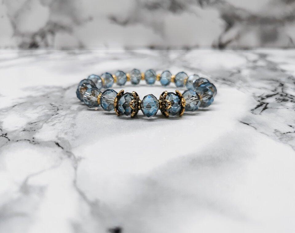 Apyrankė iš stiklo kristalų