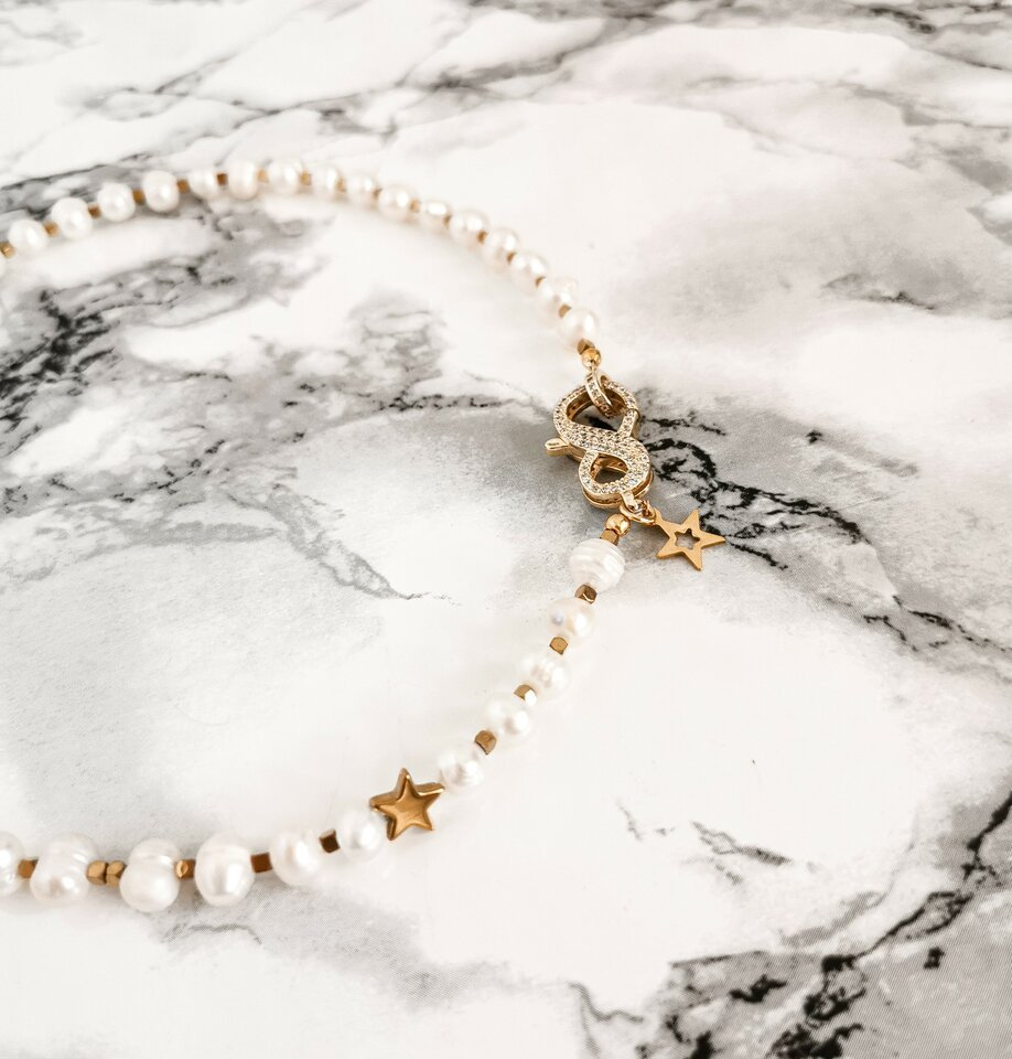Gėlavandenių perlų vėrinys